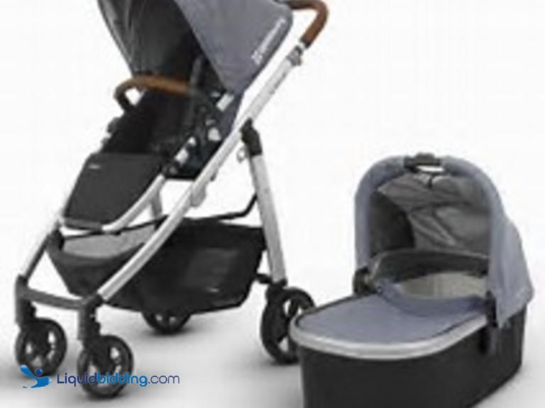 New Uppababy Vista bassinet stroller. Includes rain/bug shields storage bag canopy  sc 1 st  LiquidBidding & LiquidBidding | New Uppababy Vista bassinet stroller. Includes ...
