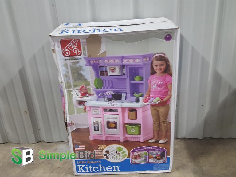 SimpleBid Inc Step Little Bakers Kitchen Appears New In Box - Step 2 little bakers kitchen