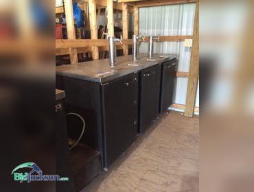 bidjacksoncom beverage air 3 spot 4 keg kegerator - Beverage Air Kegerator