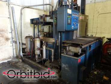 (1) Bowden model CRB-3D-160 Industrial Parts Washer, SN: unknown, Temperature control, rust...
