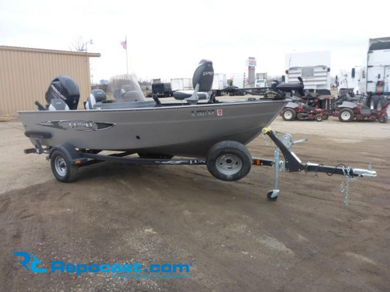 2013 Lund 1650 Rebel XL 16' Fishing Boat