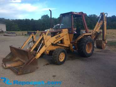 Case 580E 4x4 Loader Backhoe