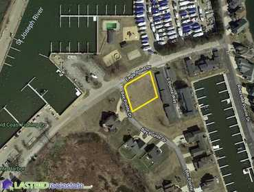 Extra Large Lot in Eagle Pointe Harbor in Saint Joseph, MI