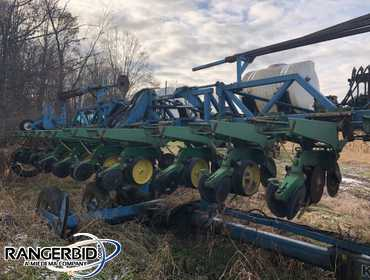 (1) Kinze Twin Line Corn Planter, 12 row with precision motors, John Deere MaxEmerge planting...