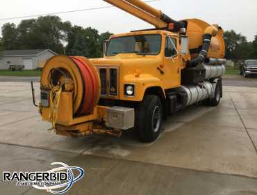 1996 International  Vactor 2100 Utility Truck