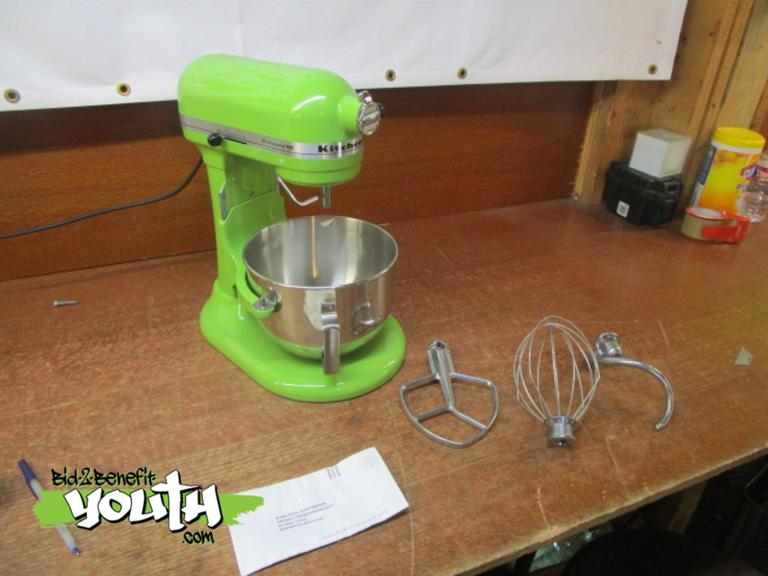 Sungard Exhibition Stand Mixer : Bid benefit youth display model kitchenaid stand
