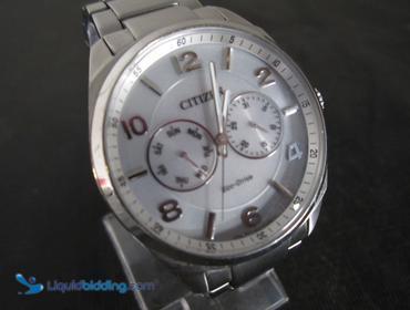 a29afa5c0 LiquidBidding | Citizen Men's Eco-Drive Stainless Steel Watch. With  foldover closure, Japanese quartz movement.